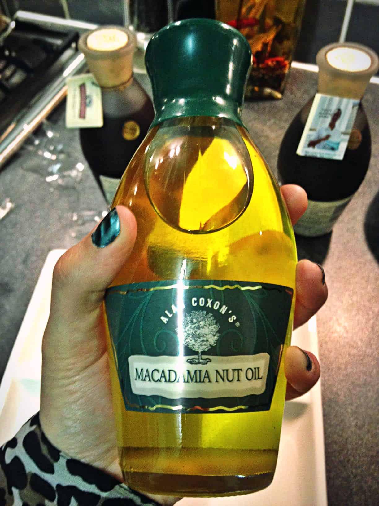 Alan Coxon macadamia nut oil