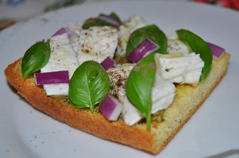 Keto bread recipe pesto red onion mozzarella