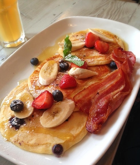Bill's breakfast pancakes & bacon Hoxton Square London