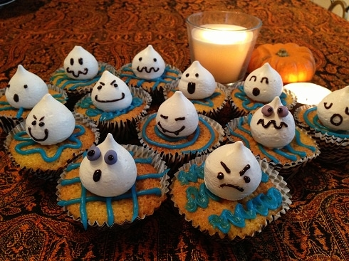 Ghost halloween cupcakes almond