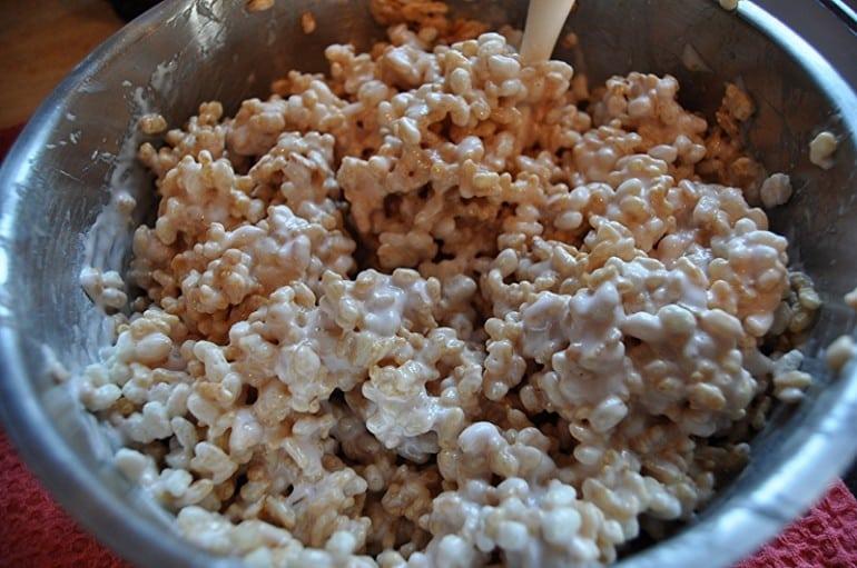 Rice crispy marshmallow treats with nutella recipe melted marshmallow    Rice Crispy Treats Recipe Marshmallow Cream