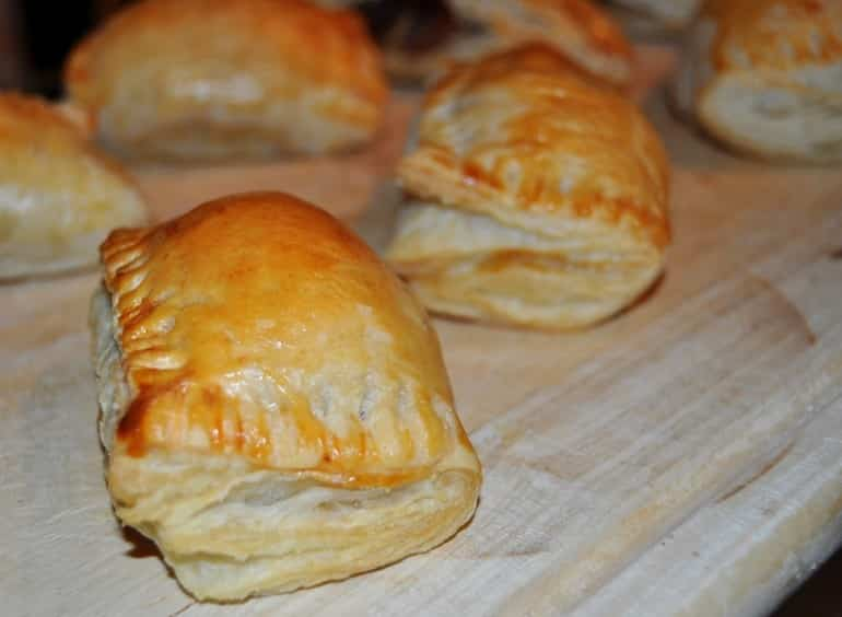 Sausage roll recipe golden puff pastry