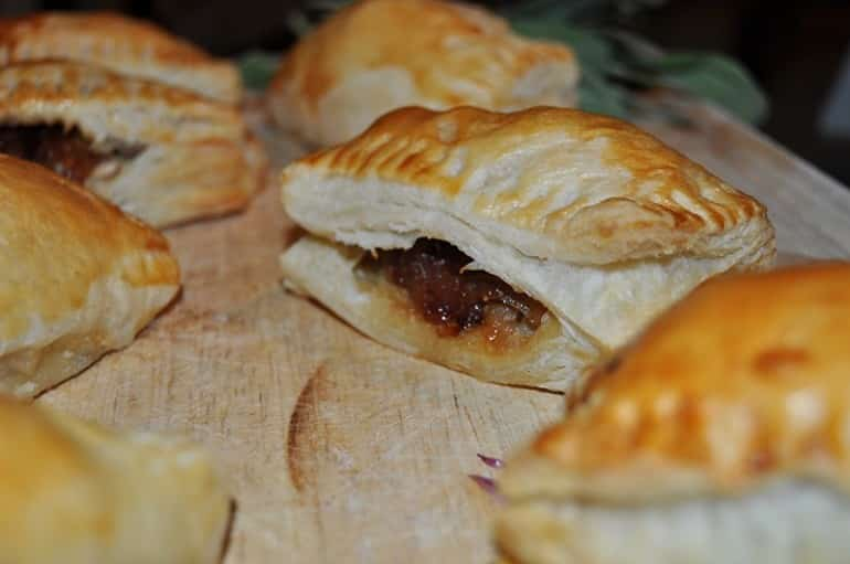 Sausage roll recipe puff pastry