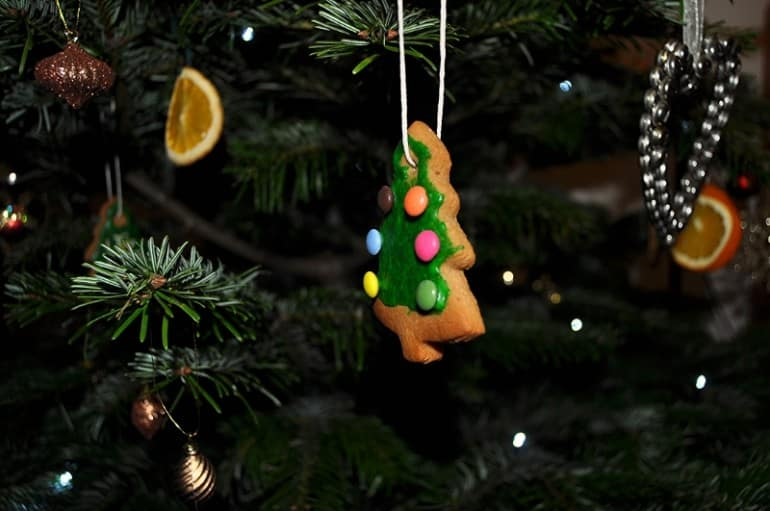 Christmas tree ginger bread decoration recipe