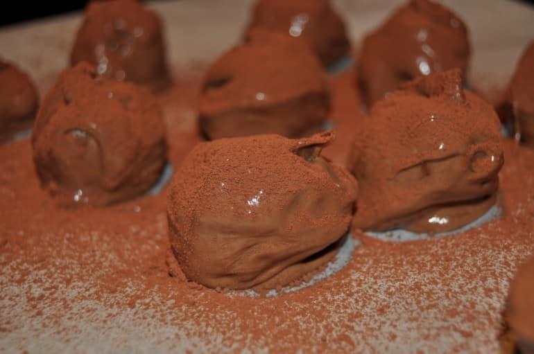 Cocoa dusted rum truffle recipe