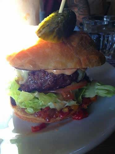 The Chequers Chipping Norton review burger