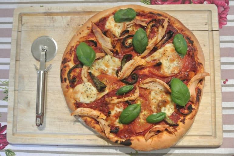 Rustic deep dish pizza recipe tomato chicken pepper