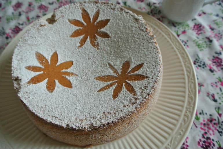 Tarat De Santiago cake recipe icing sugar decoration