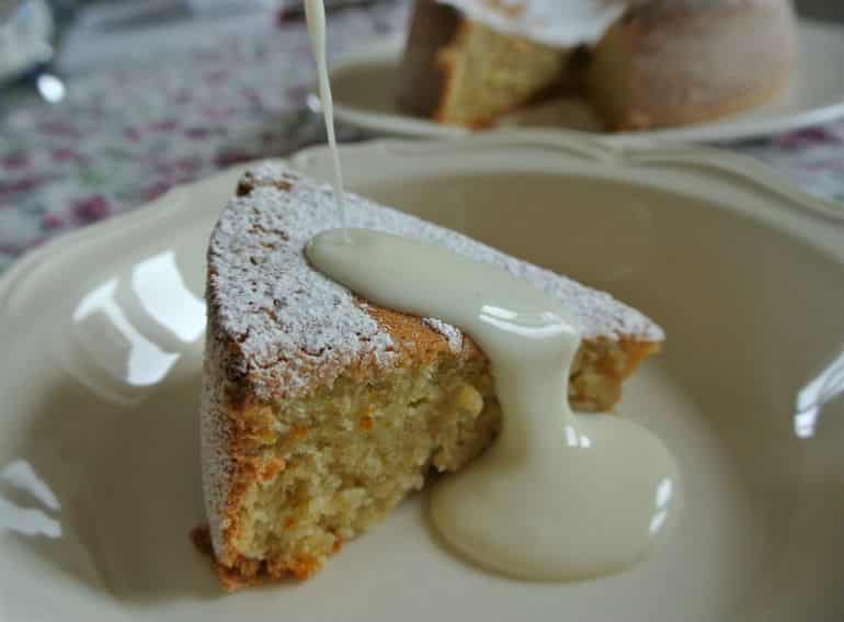 Tarat De Santiago cake recipe with vanilla lemon natural yoghurt