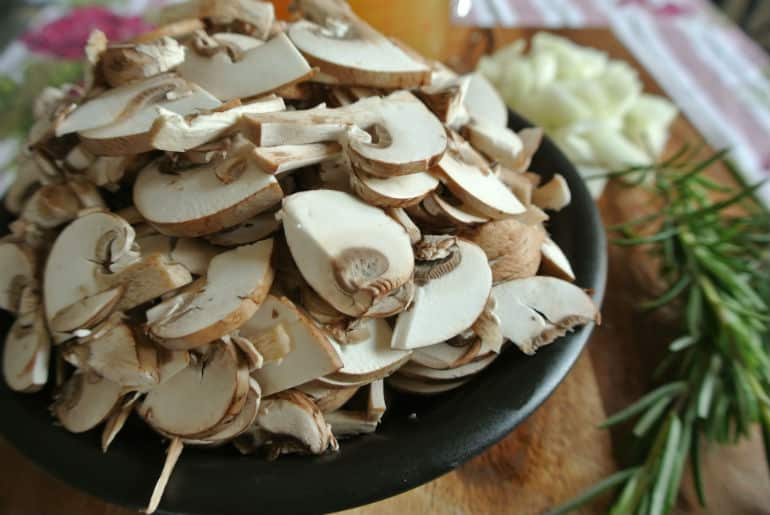Creamy mushroom soup recipe chestnut mushrooms