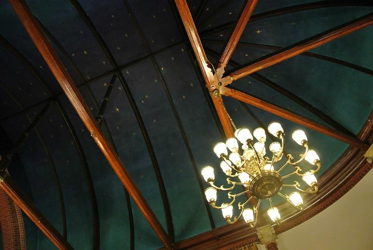 Calcutta Brasserie Stony Stratford Milton Keynes restaurant review Sunday buffet decor