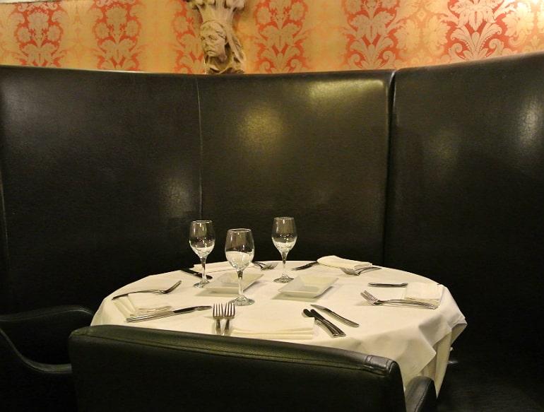 Calcutta Brasserie Stony Stratford Milton Keynes restaurant review Sunday buffet seating
