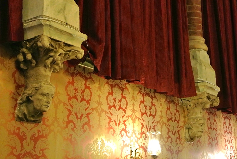 Calcutta Brasserie Stony Stratford Milton Keynes restaurant review inside decor