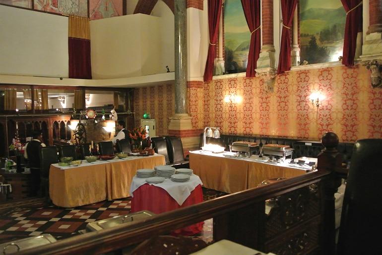 Calcutta Brasserie Stony Stratford Milton Keynes restaurant review interior