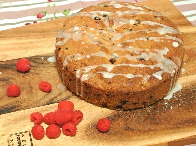 Raspberry rasin almond cake recipe