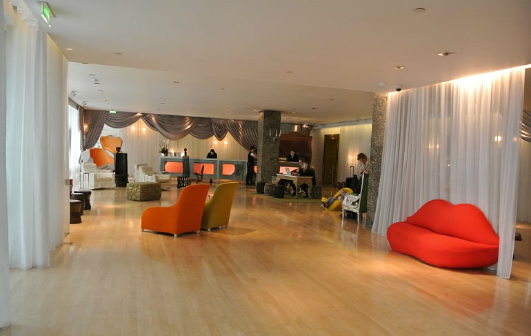 Sanderson London mad hatters tea party review lobby