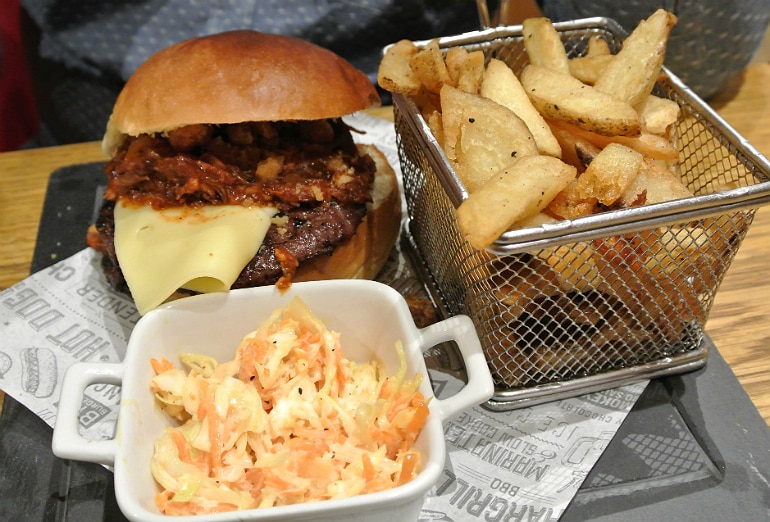 Smoke Shack BBQ restaurant Stony Stratford review burger Porkys