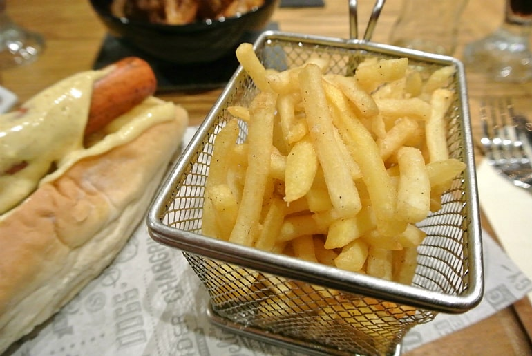 Smoke Shack BBQ restaurant Stony Stratford review skinny fries