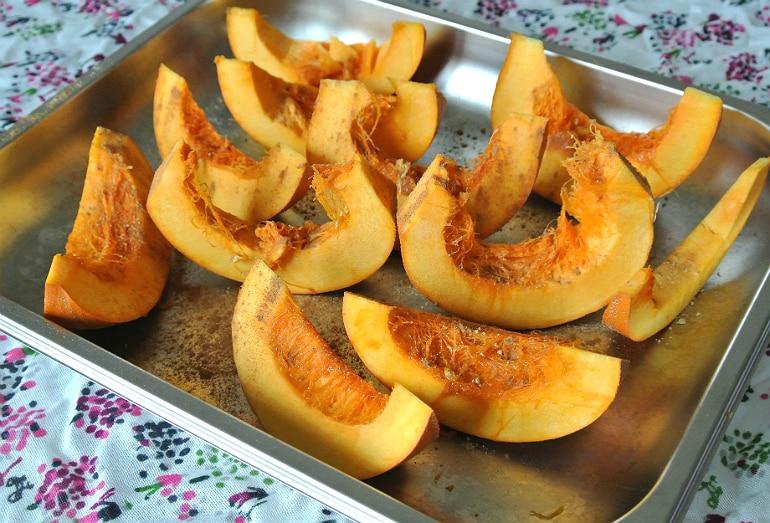 Pumpkin pancakes Halloween recipe pumpkin slices