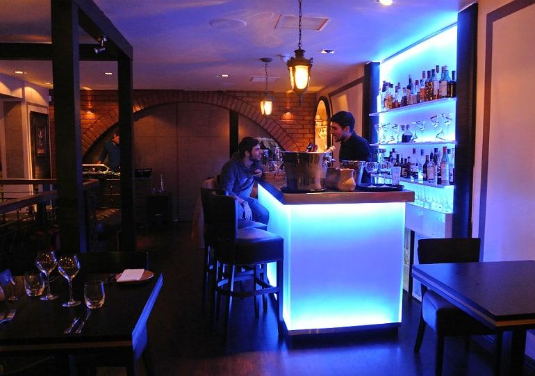 Crib De Rib cocktail bar Kensington London review bar area