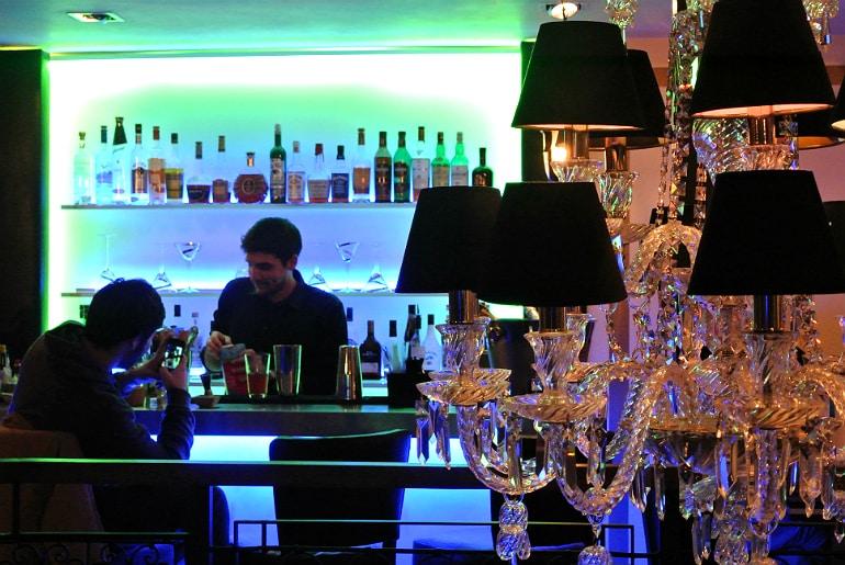 Crib De Rib cocktail bar Kensington London review bar