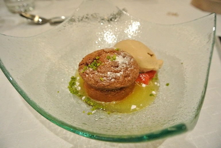 Helsinki Aino restaurant almond cake