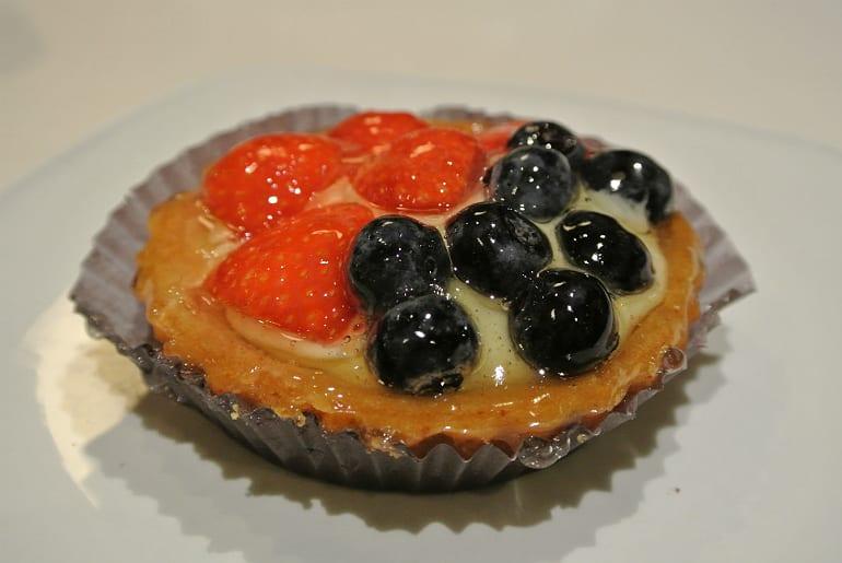 Helsinki Fazer cake berry tarte