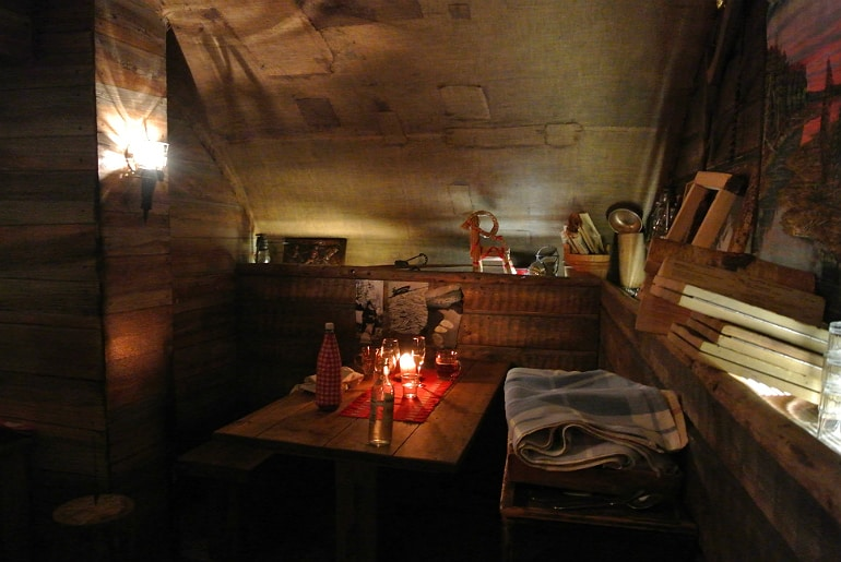 Helsinki Savotta restaurant cabin