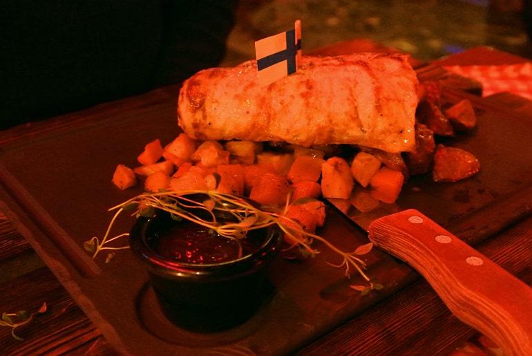 Helsinki Zetor bar wrap