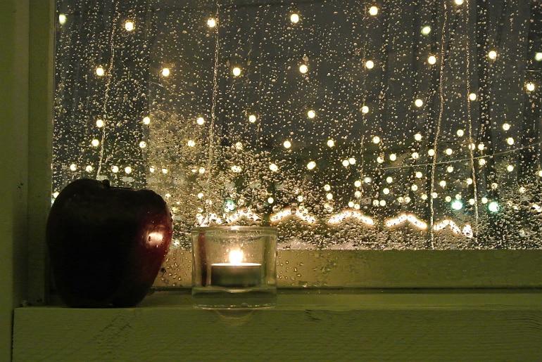 Helsinki christmas market rain