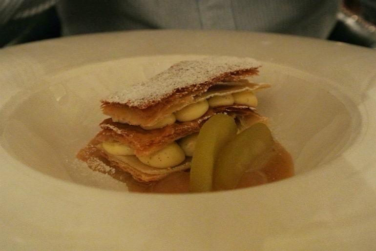 Helsinki hotel Kamp brasserie apple pastry