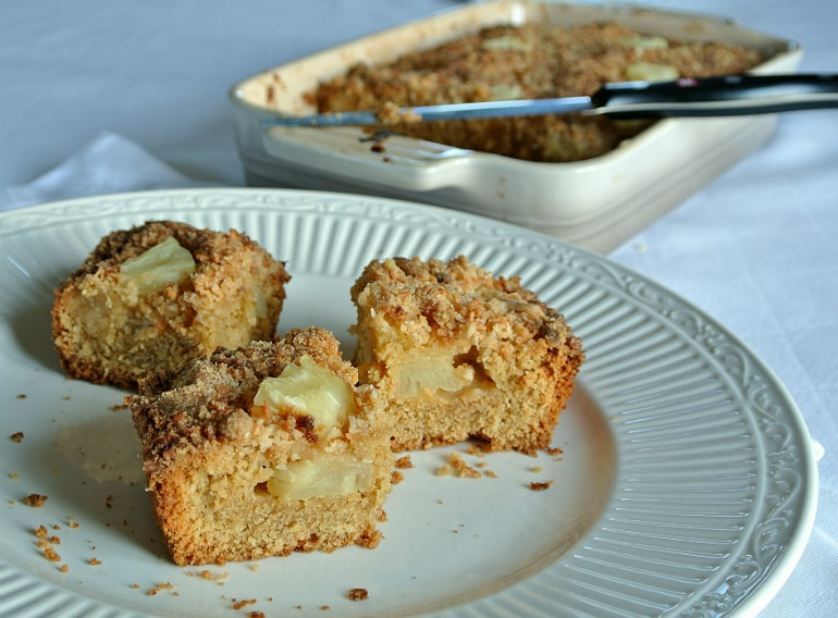 Lucy Bee coconut oil review pina colada tray bake recipe