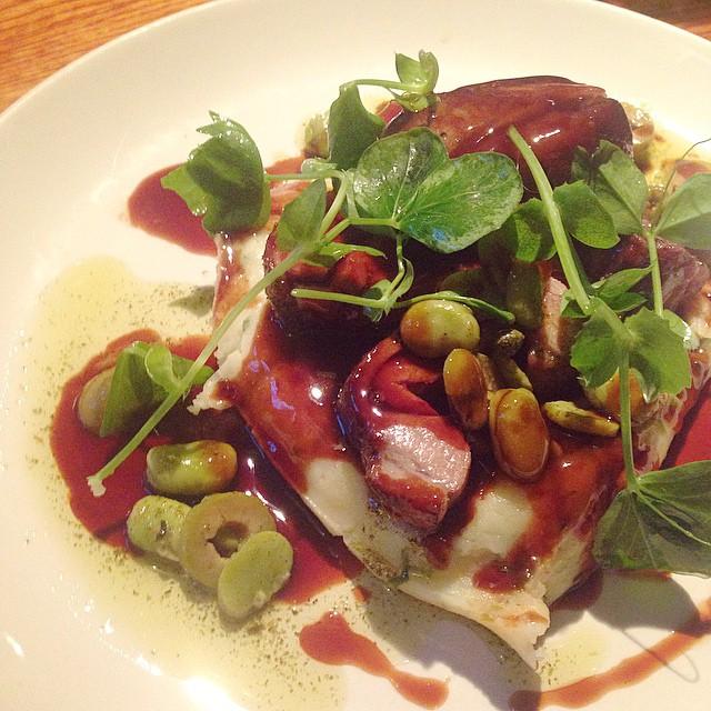 Lamb brisket. Spring onion mash. Minted broad beans. Olive jus. Bloody lovely ? #miltonkeynes #dinner #pubgrub #foodporn