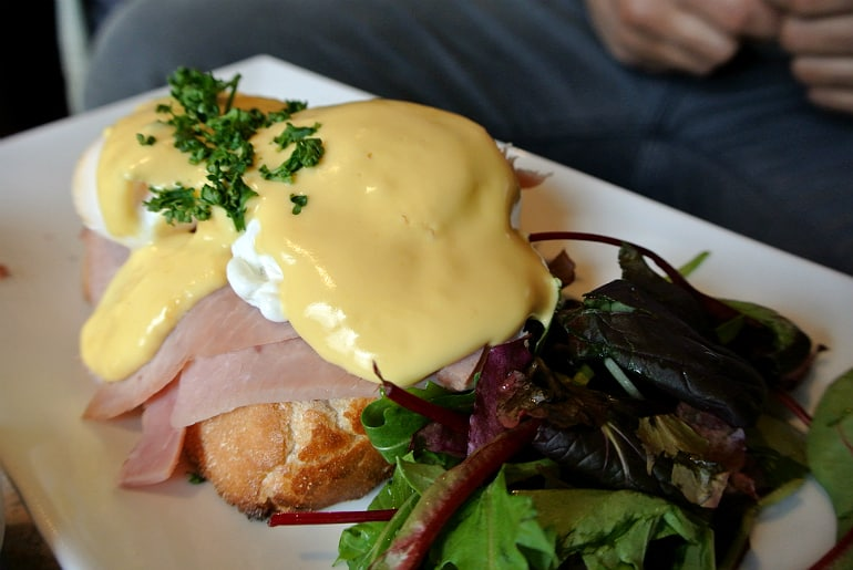 Nonnas breakfast review eggs benedict