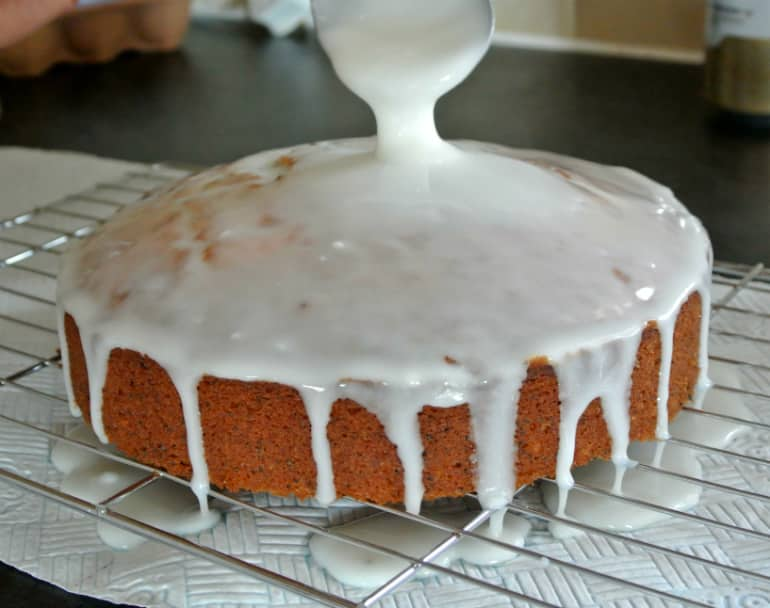 Lemon poppyseed cake recipe icing