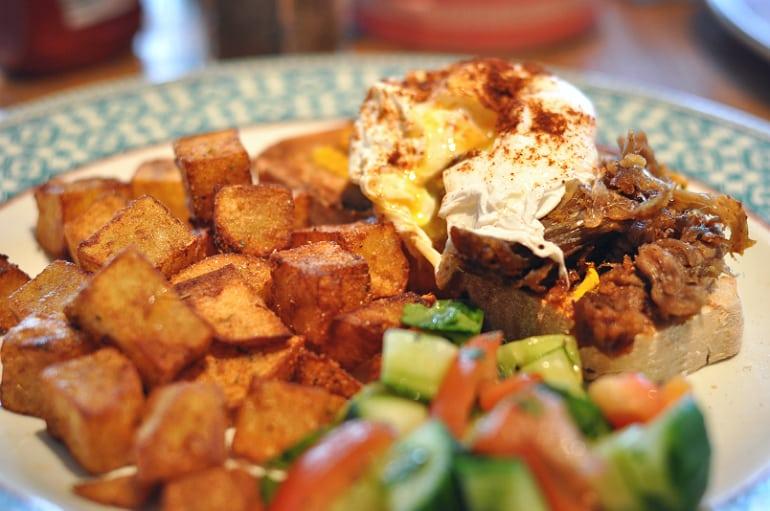 Revolucion de cuba milton keynes brunch eggs benedict