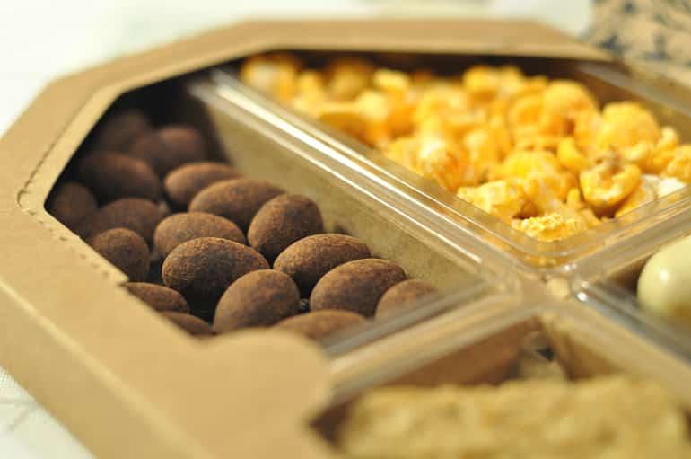Nibboxx healthy snack box almonds