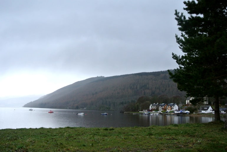 holiday eating tips scotland loch