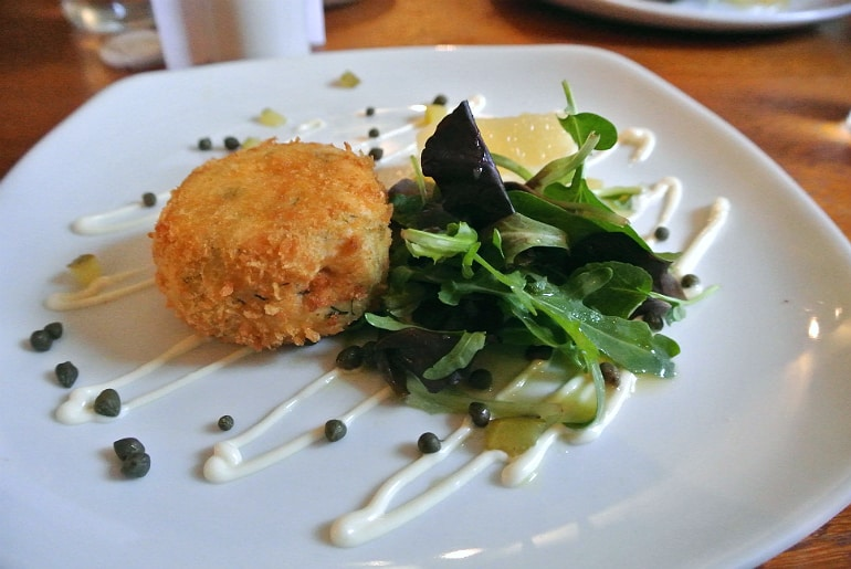 old thatched inn adstock fishcakes