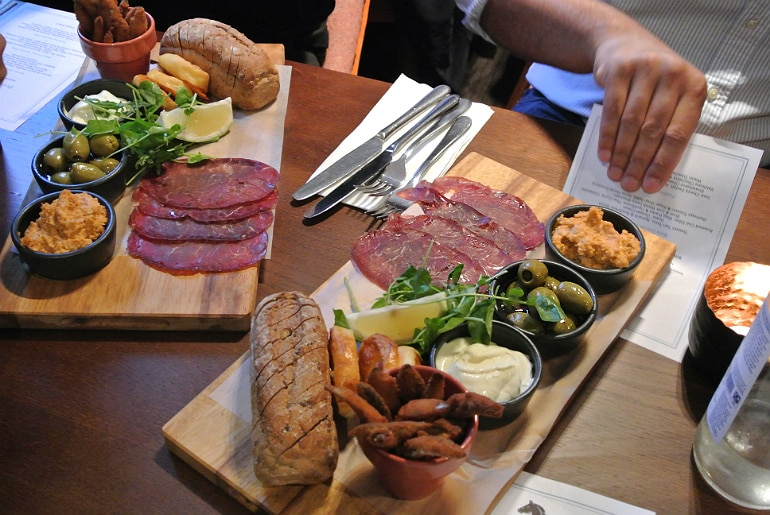 black horse woburn deli boards