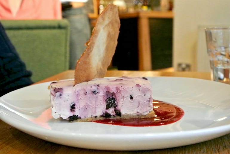 swan salford pub review cheesecake