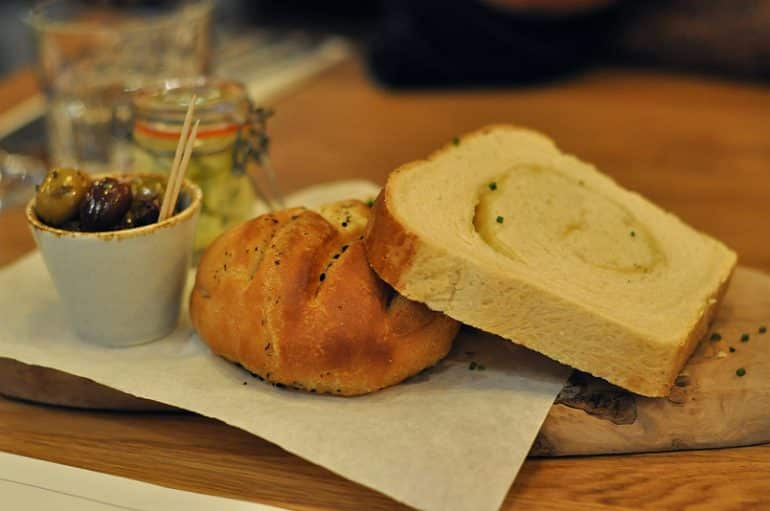 the-anchor-aspley-guise-bread