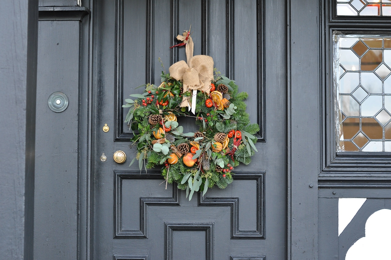 paris-house-woburn-review-wreath