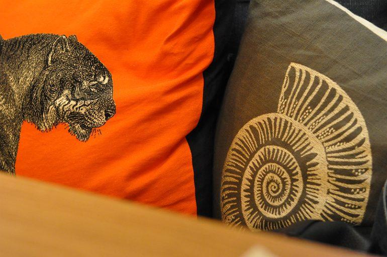 the-anchor-aspley-guise-cushions