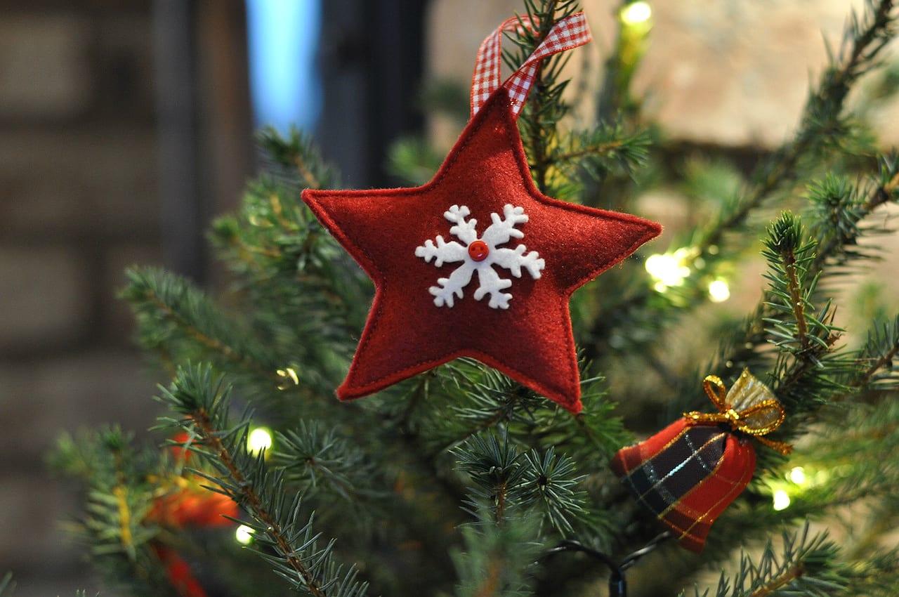 christmas-scotland-decorations