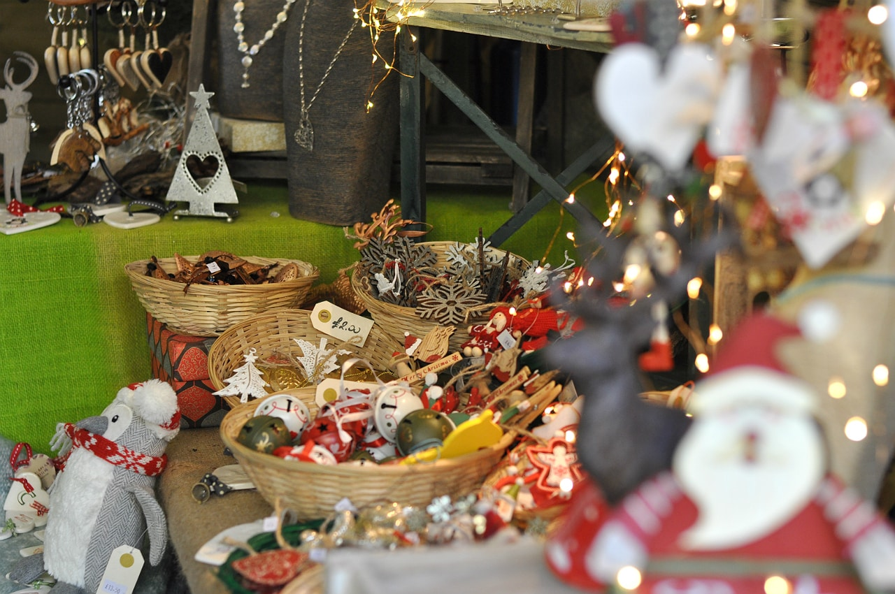 waddesdon-manor-christmas-fair-decorations
