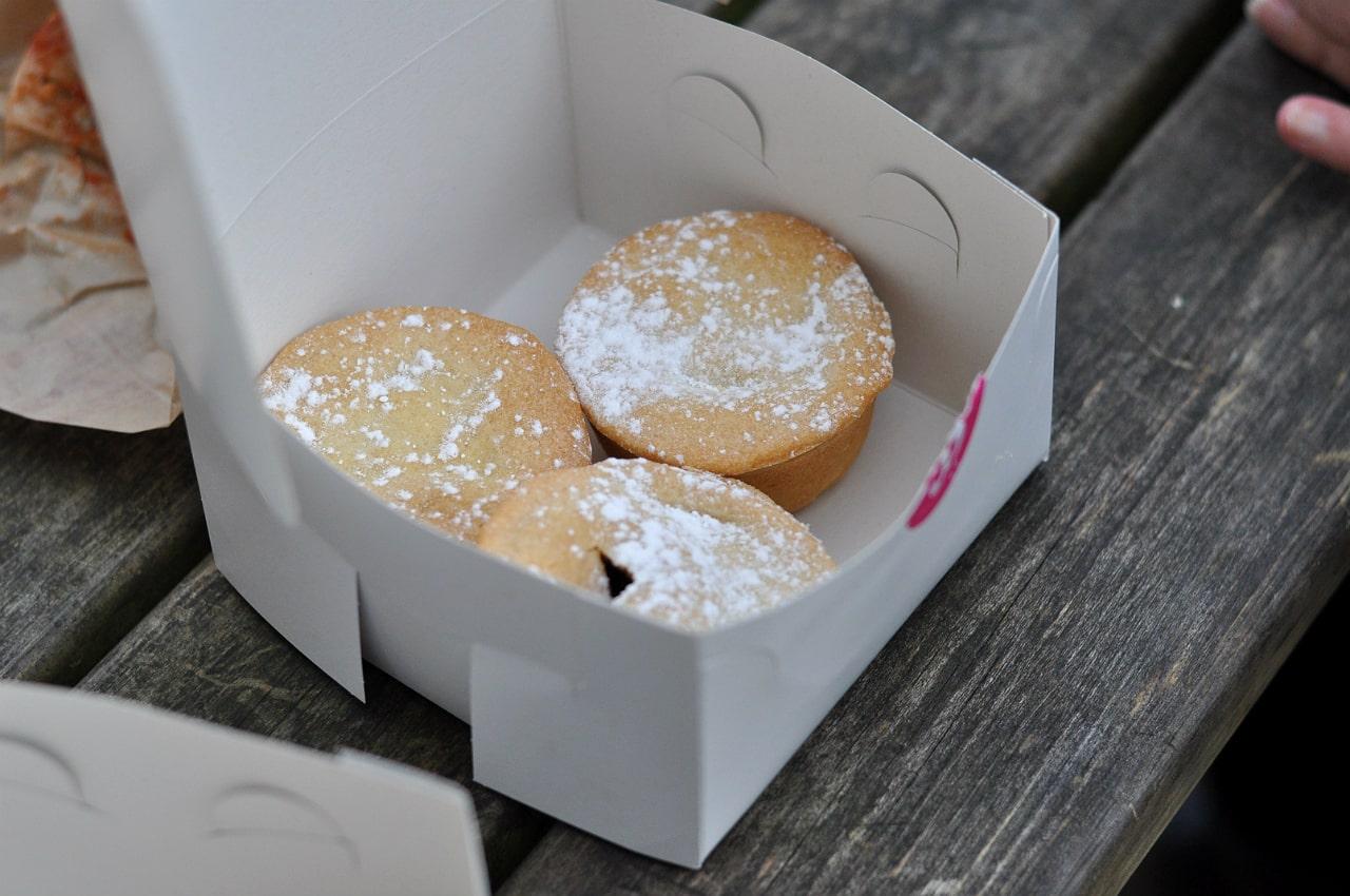 waddesdon-manor-christmas-fair-mince-pie-box