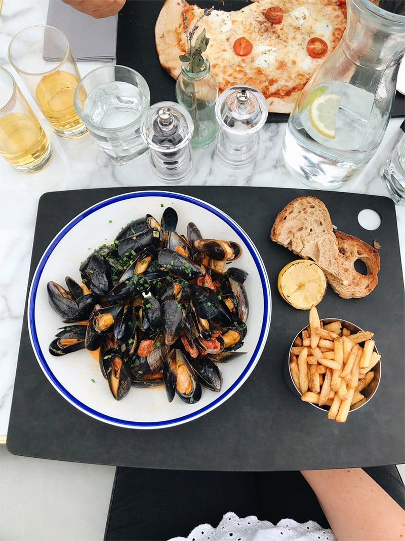 mussels in cider gravy